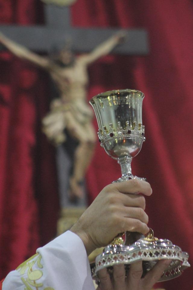 La Santa Misa encierra todo el valor del sacrificio de la Cruz - misas gregorianas